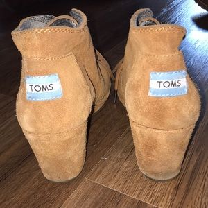 Wedge Toms boots